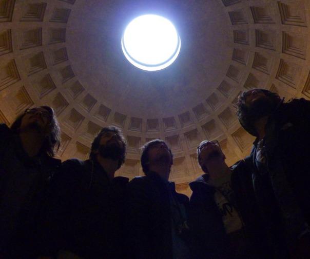 2013-12-14 - 432 - Rome - Balkan Boyz Pantheon shot