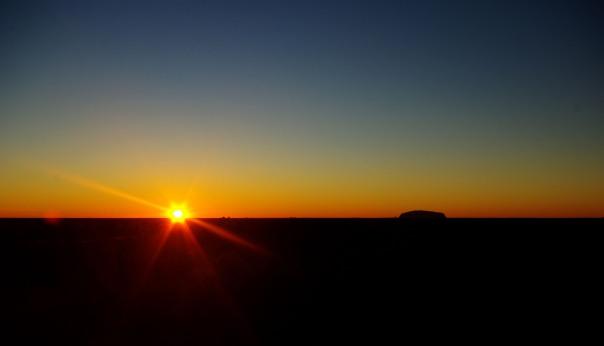 2014-06-04 - 149 - Uluru - Desert sunrise